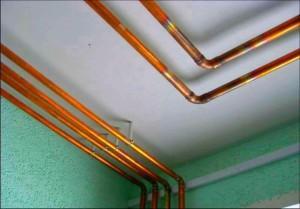 Вид медных труб в квартире