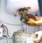 Разбираемся, как слить воду с водонагревателя Аристон — советы профессионала