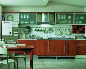 Монтаж на кухонной стене