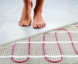 Босыми ногами по плитке