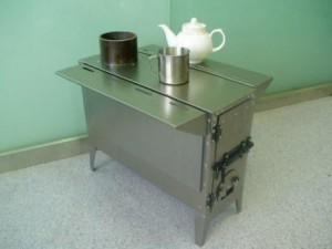 варим чай на металлической печке
