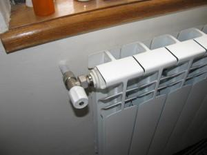 Регулятор температуры на батареи