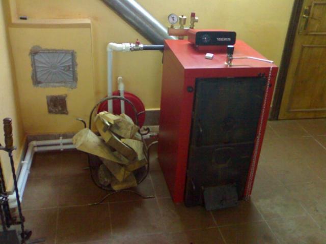 Как сделать отопление в доме с твердотопливным котлом на